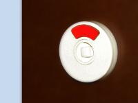 Tuerknopfverschluss mit rot-weiss Anzeige